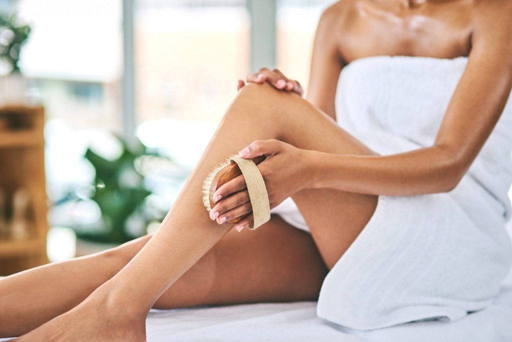 To boost your energy levels and get your glow on, try dry body brushing as a part of your day spa at home routine.